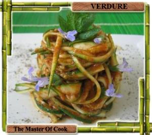Spaghetti zucchina pesto pomodori