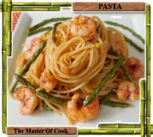 Spaghetti con gamberi e asparagi